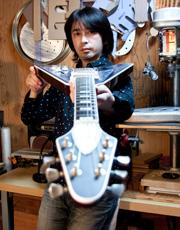 IHush Guitars  IHush Guitars  代表就職 井橋直樹